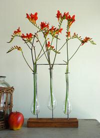 Specimen vase