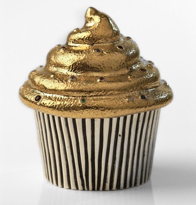golden cupcake