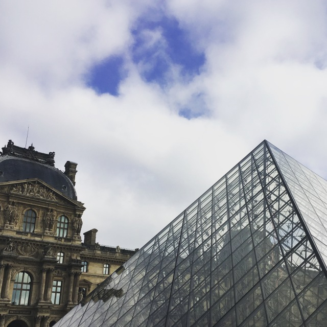 France 2015: Louvre outside