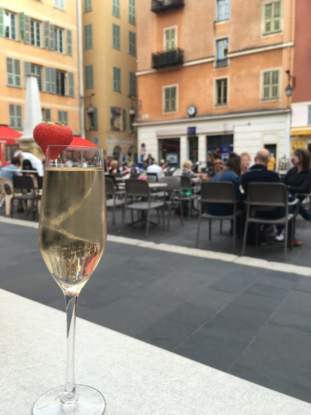 France 2015: champagne in Nice